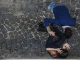 (SIMULAZIONE) Una simulazione di un'aggressione a una donna, Roma, 17 ottobre 2017. ANSA/ALESSANDRO DI MEO