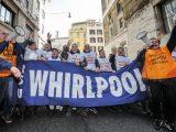 Protesta dei lavoratori della Whirlpool di Napoli sotto al Ministero dello Sviluppo Economico, Roma, 29 gennaio 2020. ANSA/RICCARDO ANTIMIANI