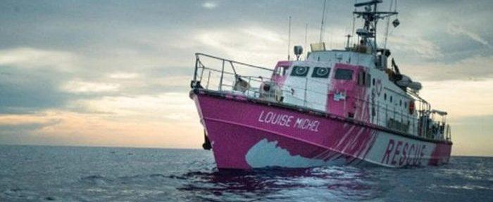 La nave Louise Michel, finanziata dallo street artist Banksy per soccorrere i migranti nel Mediterraneo, 28 agosto 2020.  TWITTER +++ ATTENZIONE LA FOTO NON PUO' ESSERE PUBBLICATA O RIPRODOTTA SENZA L'AUTORIZZAZIONE DELLA FONTE DI ORIGINE CUI SI RINVIA +++ ++ HO - NO SALES, EDITORIAL USE  ONLY ++