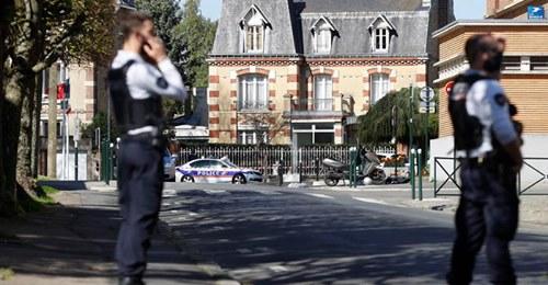 12252021 francia agenti